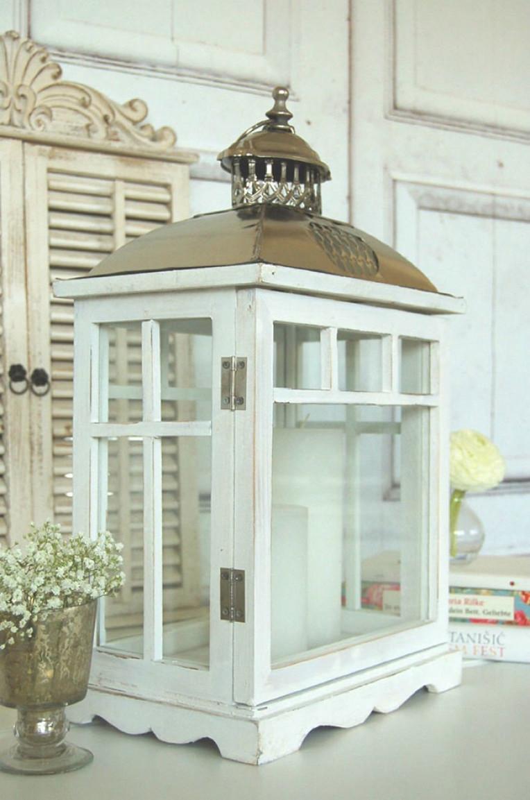 gro e laterne im shabby chic vintage m bel ideen. Black Bedroom Furniture Sets. Home Design Ideas
